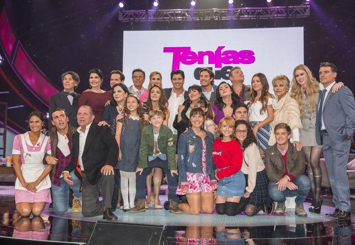 """El elenco de la telenovela """"Tenías que ser tú"""" que ha terminado grabaciones. (Redacción/SIPSE)"""