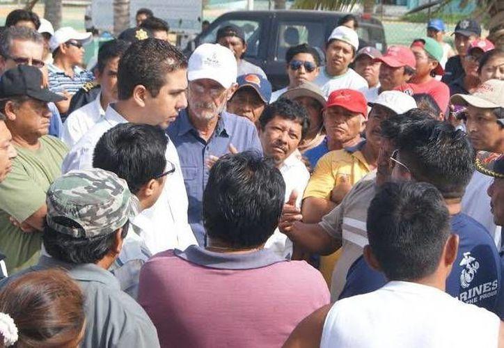 Ejidatarios de Paraíso acordaron coordinarse con la Comuna para constatar avances de la reubicación. (Milenio Novedades)