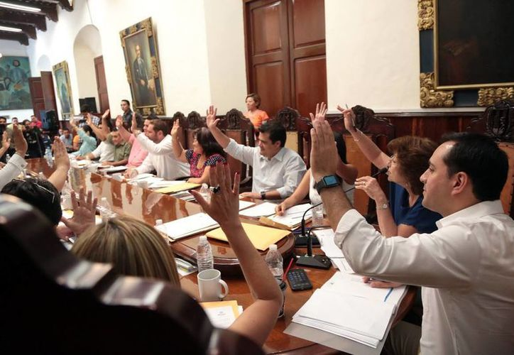 Regidores durante la sesión de Cabildo.En la reunión de ayer se discutieron varios acuerdos, como la firma de tres convenios. (Milenio Novedades)