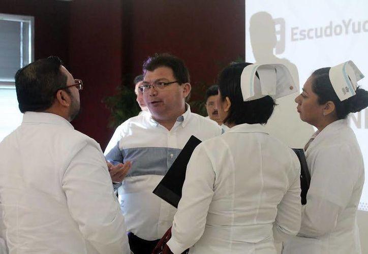 Jorge Mendoza Mézquita, secretario de Salud de Yucatán, durante la presentación del programa Escudo Yucatán, encabezada este lunes por el secretario General de Gobierno, Roberto Rodríguez Asaf. (Milenio Novedades)
