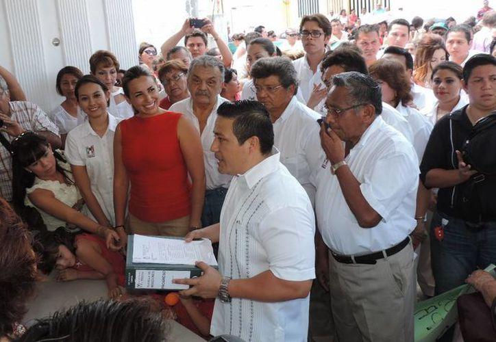 La candidata del PRI a la alcaldía de Progreso recibió el apoyo de cientos de simpatizantes. (Milenio Novedades)