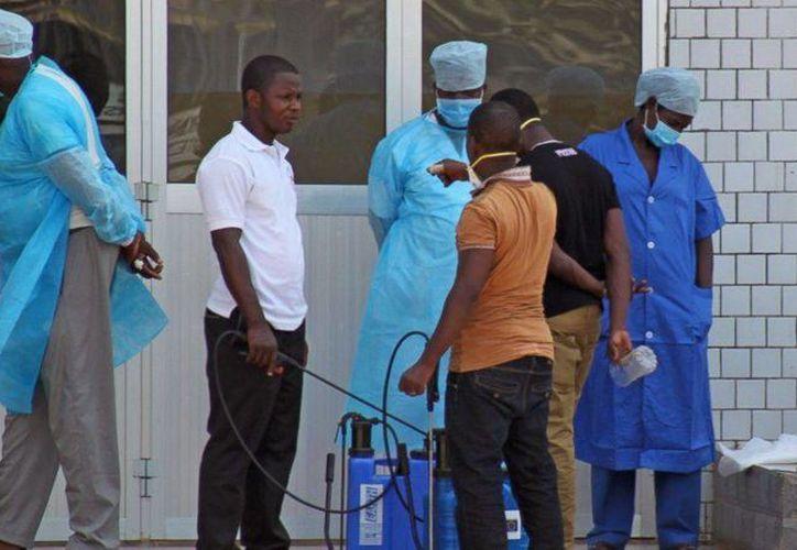 El brote de ébola en África occidental ha causado más de 168 muertos hasta ahora. (Agencias)
