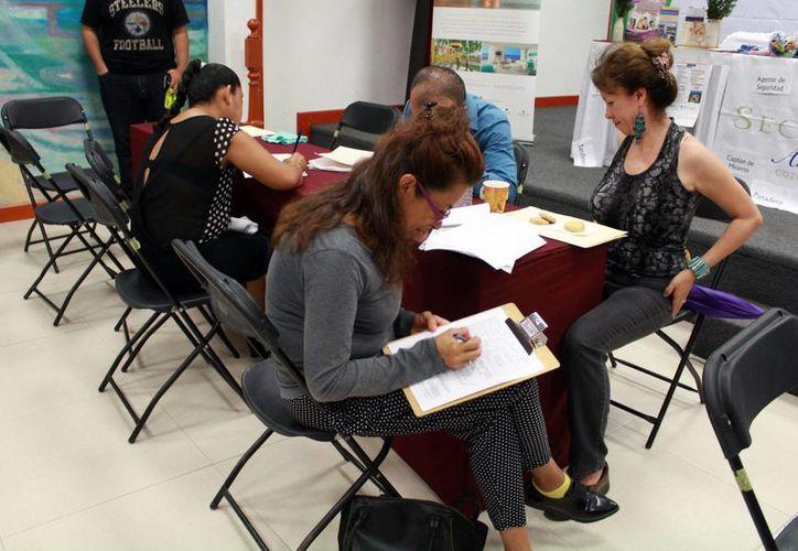 Se espera la presencia de más de 200 buscadores de empleo. (Luis Soto/SIPSE)