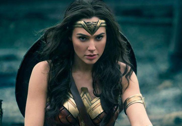 La actriz de Wonder woman irrumpió este año como una poderosa voz que aboga por las mujeres. (Foto: Redacción)