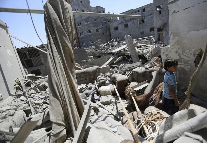 De acuerdo con la ONU, más de 450 mil personas se han visto obligadas a huir de la Franja de Gaza por los intensos bombardeos de Israel. (EFE)