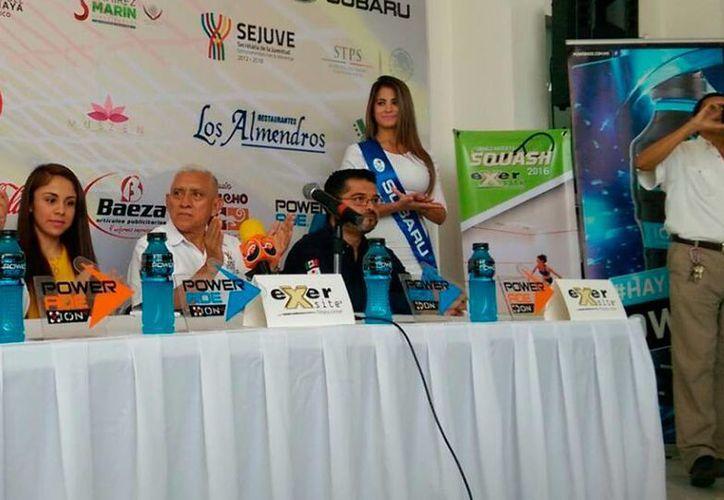 La raquetbolista Paola Longoria llegó a Mérida para realizar diversos actos altruistas. (Marco Moreno/SIPSE)