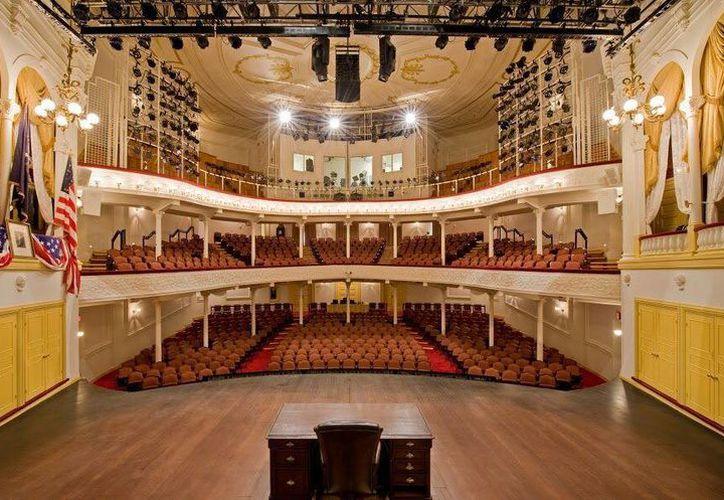Fotografía sin fecha cedida, este 12 de abril de 2015, por el Teatro Ford de interior del teatro en Washington, donde cada año se monta una obra teatral en honor al expresidente Abraham Lincoln. (EFE)