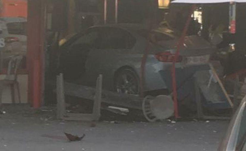 Atropello intencionado en una pizzería en Seine-et-Marne deja varios heridos. (Twitter/ @RamiAILoIah).