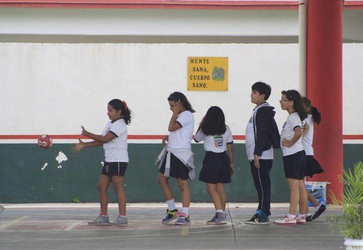 El seguro escolar protege a los estudiantes desde el momento en que inicien el viaje de su casa a la escuela. (Harold Alcocer/SIPSE)