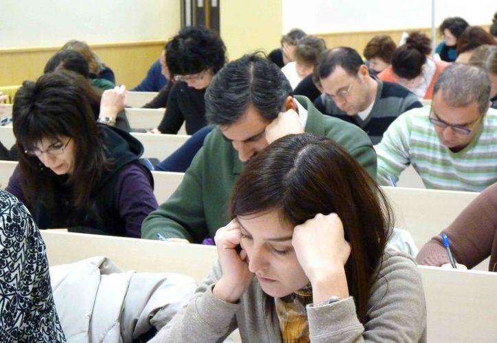 Según un estudio científico, la forma de calificar de los maestros depende del sexo de sus alumnos. (uned.es)