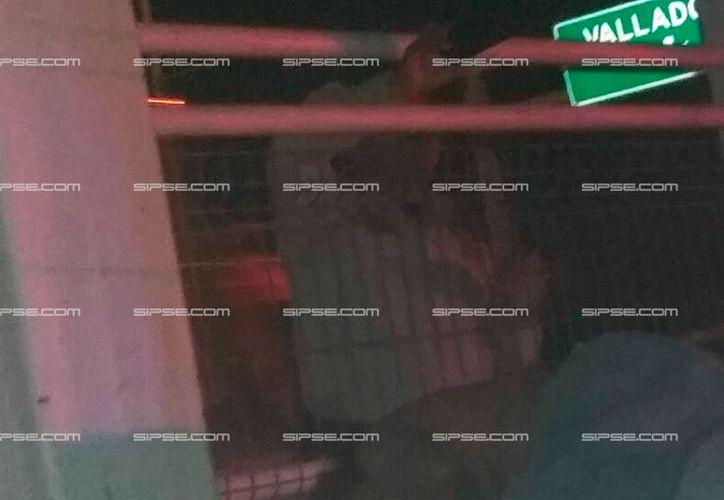 Un indigente falleció durante la madrugada de este lunes. Los vecinos hallaron su cadáver, debajo de un puente, en la colonia San Aroldo, en Mérida. (SIPSE)
