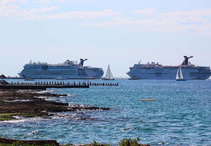 Más de 80 mil pasajeros llegarán esta semana en 30 cruceros que atracarán en Cozumel. (Gustavo Villegas/SIPSE)