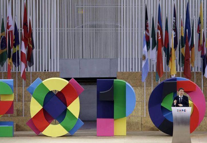 El primer ministro italiano Matteo Renzi al inaugurar la Feria Mundial 2015 en Milán, Italia. El tema de este año es la alimentación. (Agencias)