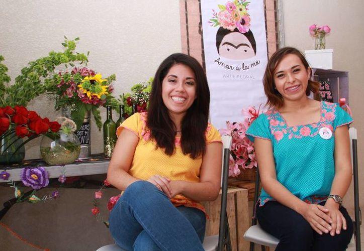 Leydi Zúñiga Villanueva y María Fernanda Ortigoza Peralta se inspiraron en las formas de manifestación de amor y cariño en México para crear su negocio. (Jorge Acosta/SIPSE)