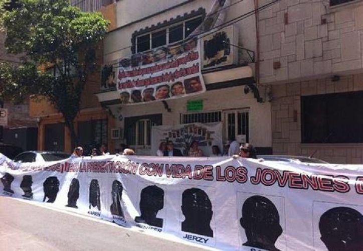 Manifestación de parientes de víctimas del caso Heaven exigen el esclarecimiento del rapto masivo y los asesinatos. (Milenio)