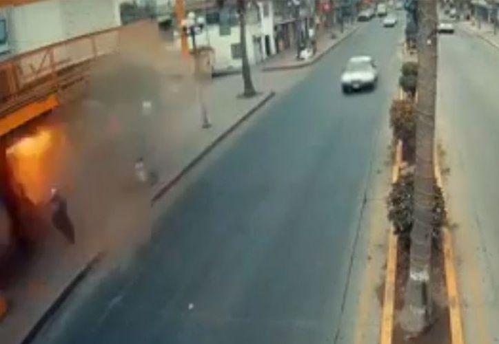 Vecinos habían reportado el olor a gas, sin embargo las autoridades no atendieron el llamado. (Captura de pantalla Youtube)
