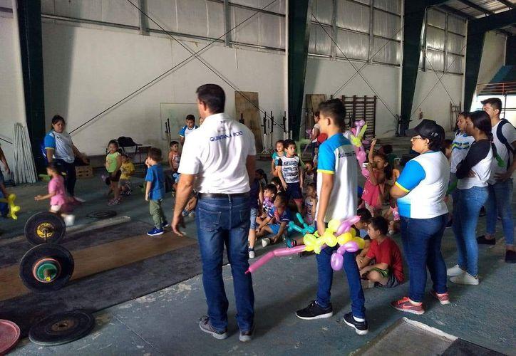 El gobierno municipal no otorgó el permiso para que se construyera el inmueble, que albergaría una escuela técnico-deportiva. (Miguel Maldonado/SIPSE)