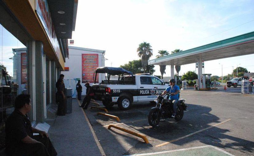 Una gasolinera de Cancún fue asaltada durante la mañana del lunes; sospechan que los autores son miembros de la banda de un exjudicial. (Redacción)