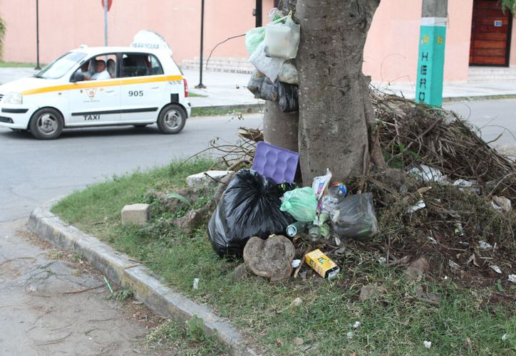 Se recolectó en las colonias de la capital cerca de 60 toneladas más de desechos por día. (Joel Zamora/SIPSE)