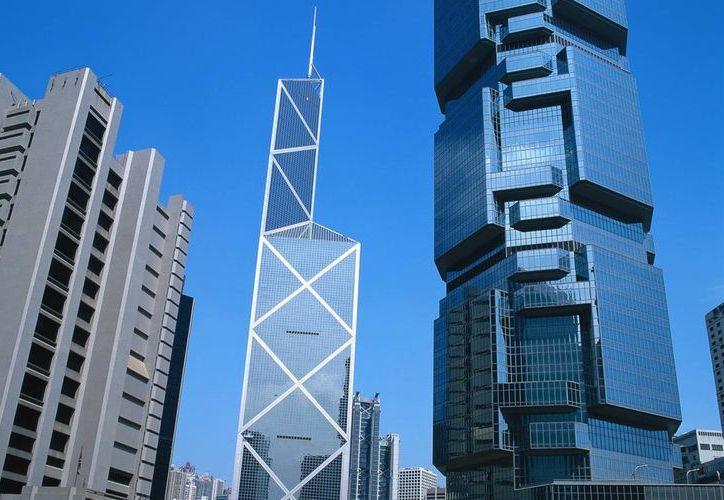 Una de las afectadas por el fraude piramidal en Uruguay perdió unos 52 mil dólares; la empresa WCM777, orquestante de la estafa, tiene cuentas en Hong Kong, cuyo centro financiero aparece en la imagen. (islandsvchk.com)