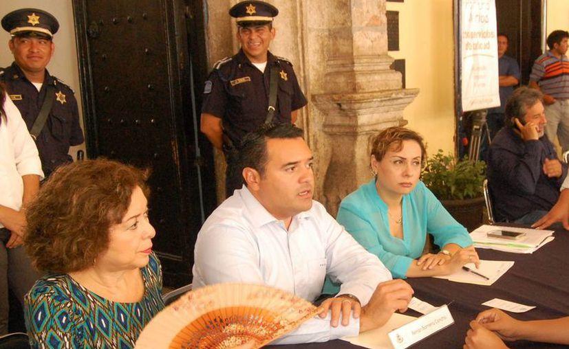 """Renán Barrera Concha considera que el ofrecimiento del Gobierno estatal es un """"elemento adicional"""". (Wilberth Argüelles/SIPSE)"""