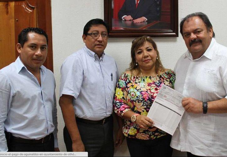 Autoridades del Ayuntamiento capitalino reconocieron la gestión del presidente municipal. (Cortesía/SIPSE)