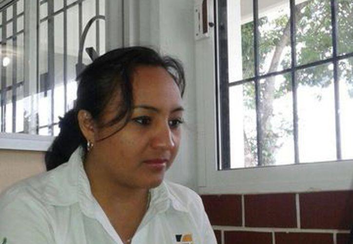 María Concepción Matos Romero creó un prototipo para operaciones de álgebra. (Licety Díaz/SIPSE)