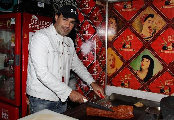 Antes de abrir un bar en Playa del Carmen el actor Mauricio Islas tuvo una taquería en la Ciudad de México. (Contexto/Internet)
