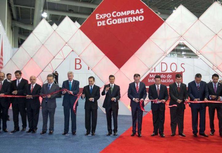 En el marco de la inauguración de la Expo Compras, el Presidente Enrique Peña celebró un crecimiento de 3.2% en el empleo formal, sin hacer referencia a indicadores económicos específicos. (presidencia.gob.mx)