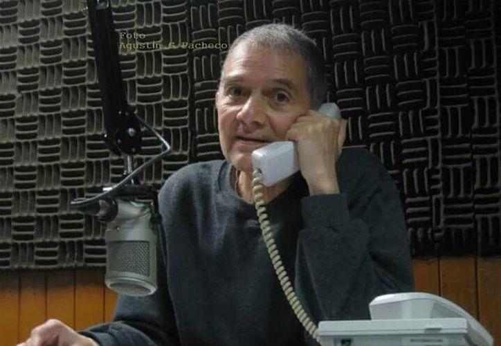 César Alejandre, fue uno de los más importantes locutores de radio en México. (Twitter: @Reactor105)
