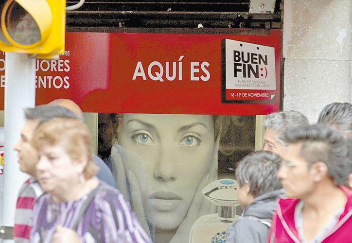 Fomentan el consumo para reactivar la economía mexicana. (Milenio Novedades)