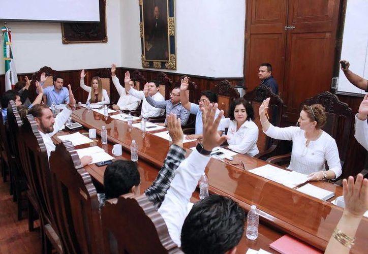 Los regidores durante la sesión de ayer donde aprobaron un convenio de colaboración con la Universidad Marista. (Milenio Novedades)