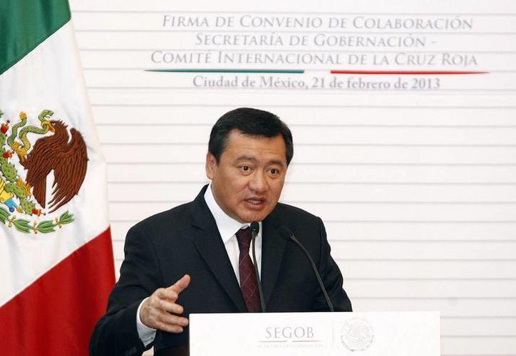 """El secretario de Gobernación dijo que las """"autodefensas"""" deben desaparecer, dice. (Archivo/Notimex)"""