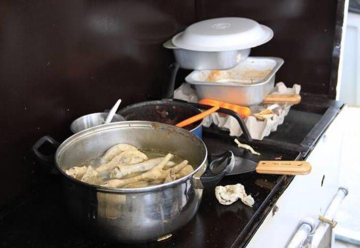 La Cofepris realiza mensualmente 184 inspecciones aleatorias en establecimientos de comestibles.  (Foto de contexto/SIPSE)