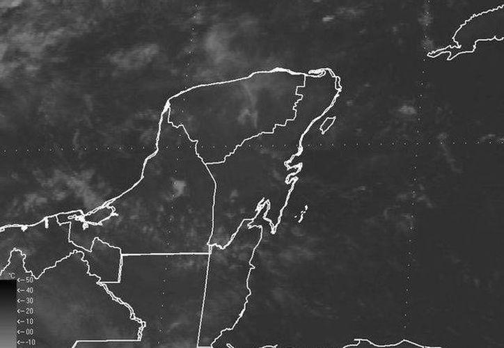 Se mantendrá cielo de despejado a medio nublado, con 40% de probabilidad de lluvias en la región. (Redacción/SIPSE)