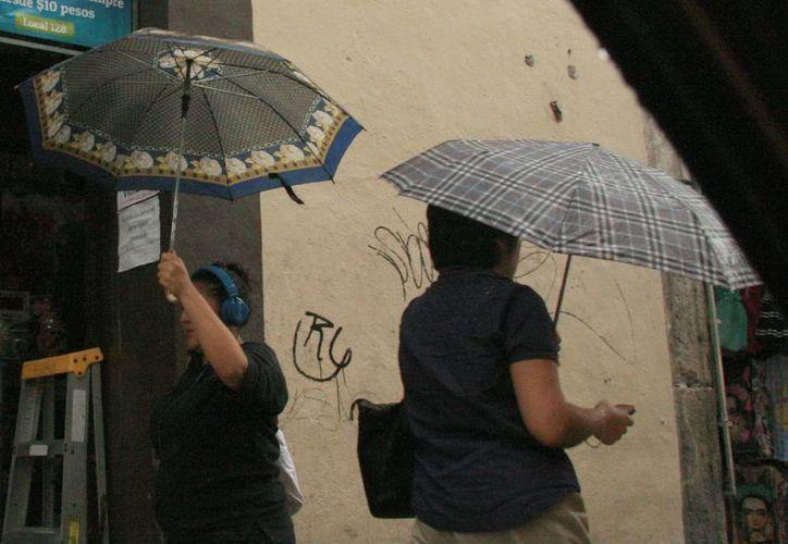 Continuarán las intensas lluvias en Yucatán pero también el calor de temperaturas máximas de 35 a 40 grados. (SIPSE)