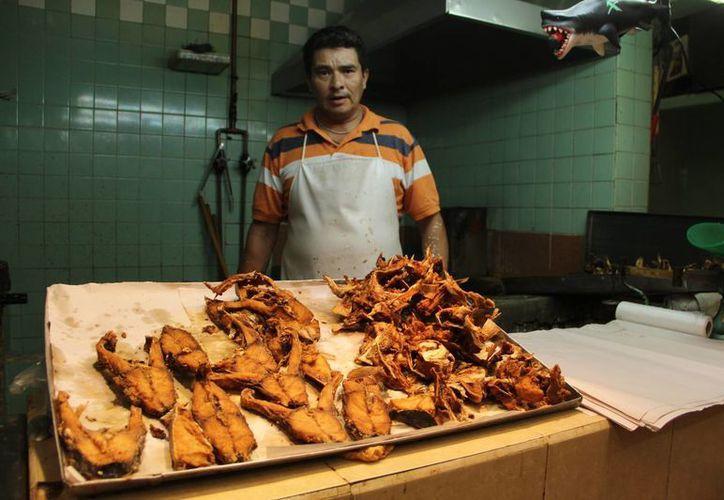 En esta temporada de Cuaresma aumenta el consumo de pescados y mariscos. (José Acosta/SIPSE)
