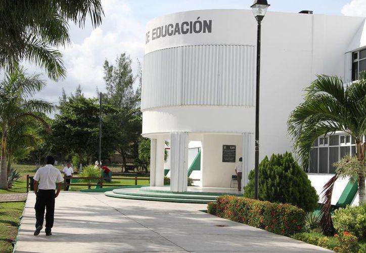 Exigen a la Secretaría de Educación y Cultura más cursos. (Tomás Álvarez/SIPSE)