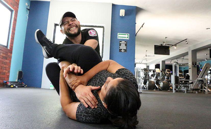 El instructor Carlos Augusto es oficial de sanidad, con varios años en el Ejército. Actualmente es VIP Scort Close Protection.  (José Acosta/Milenio Novedades)