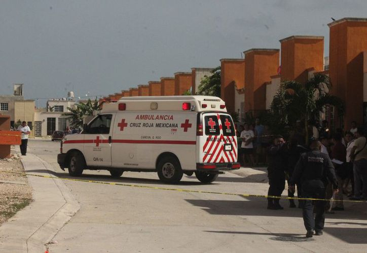Una ambulancia trasladó al lesionado al Hospital General. (Redacción)