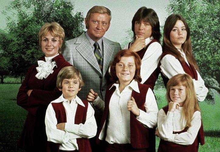 Suzanne Crough, actriz de 'La familia Partridge' (abajo a la derecha), falleció a los 52 años por causas que aún se investigan. (foxnews.com)