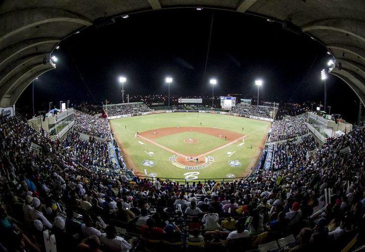 La Serie del Caribe 2016 tendrá como sede el estadio Quisqueya Juan Marichal de Santo Domingo. (EFE)