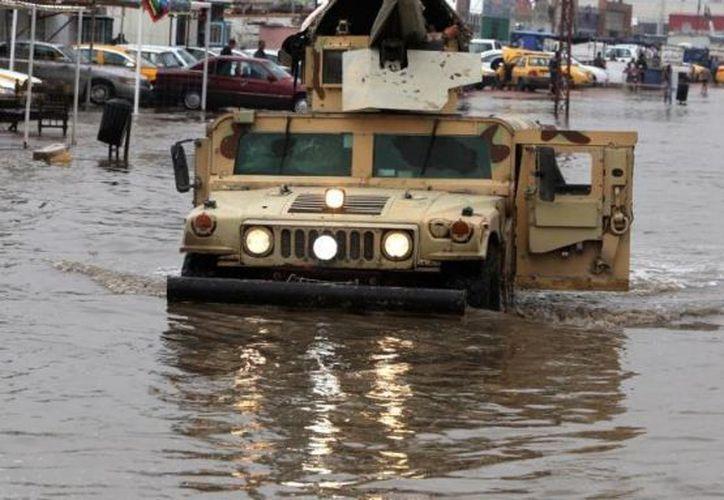 Autoridades iraquíes informaron que las inundaciones también afectaron a las provincias de Nínive y Kirkuk. (El nacional red)