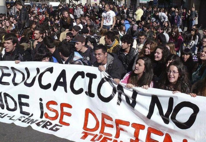 Estudiantes de la Universidad Autónoma Complutense de Madrid en huelga en defensa de la enseñanza pública. (Foto de contexto EFE/Archivo)