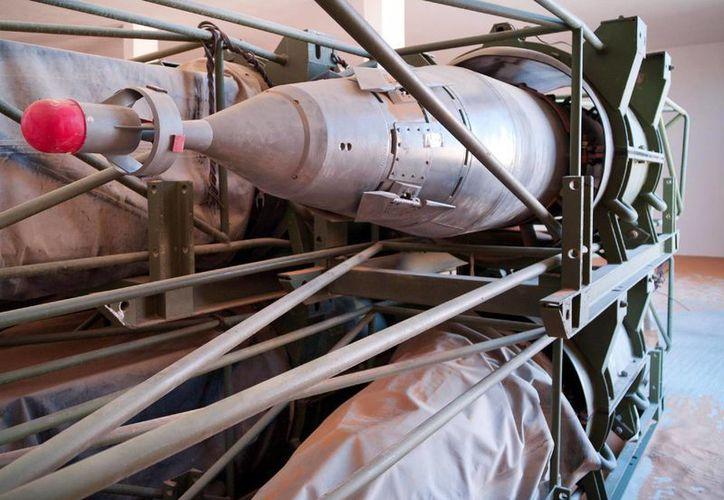 Muamar Kadafy tenía en su poder casi dos toneladas de armamento letal entre municiones y bombas cargadas con gas mostaza, listas para su uso. (Agencias)