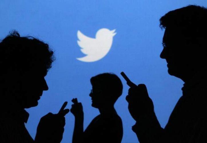 Gracias a una alianza de Twitter con Giphy y Riffsy, usuarios podrán utilizar imágenes en movimiento en tuits o mensajes directos. (Archivo/Agencias)