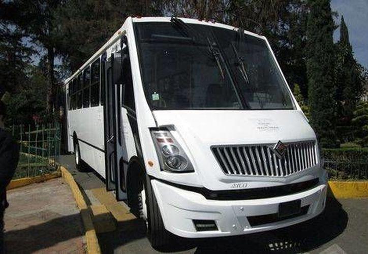 El autobús, que costó millón y medio de pesos, tendrá fines turísticos. (Milenio)