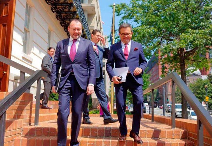 Los secretarios de Relaciones Exteriores, Luis Videgaray y de economía Ildefonso Guajardo retoman plática para poder cerrar acuerdo del TLCAN. (Foto: elsoldezacatecas.com.mx)