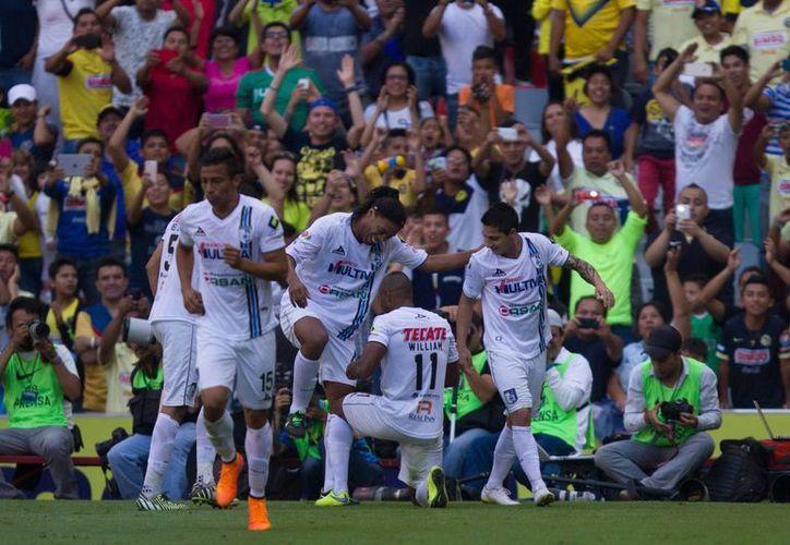 Gallos Blancos de Querétaro vencieron 2-1 a Tiburones de Veracruz en el primer partido de ambos dentro de cuartos de final de la liguilla de México. (Notimex/Foto de archivo)