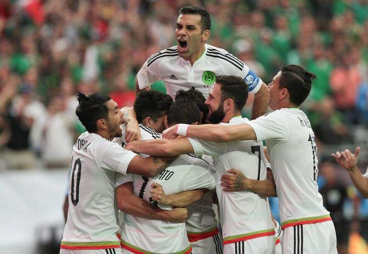 El Tri consiguió una categórica victoria de 3-1 este domingo en su presentación en la Copa América. (Notimex)